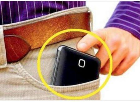 Se metti il cellulare nella tasca dei pantaloni stai correndo un grosso rischio